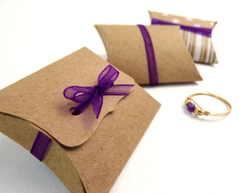 design of Kraft Pillow Boxes